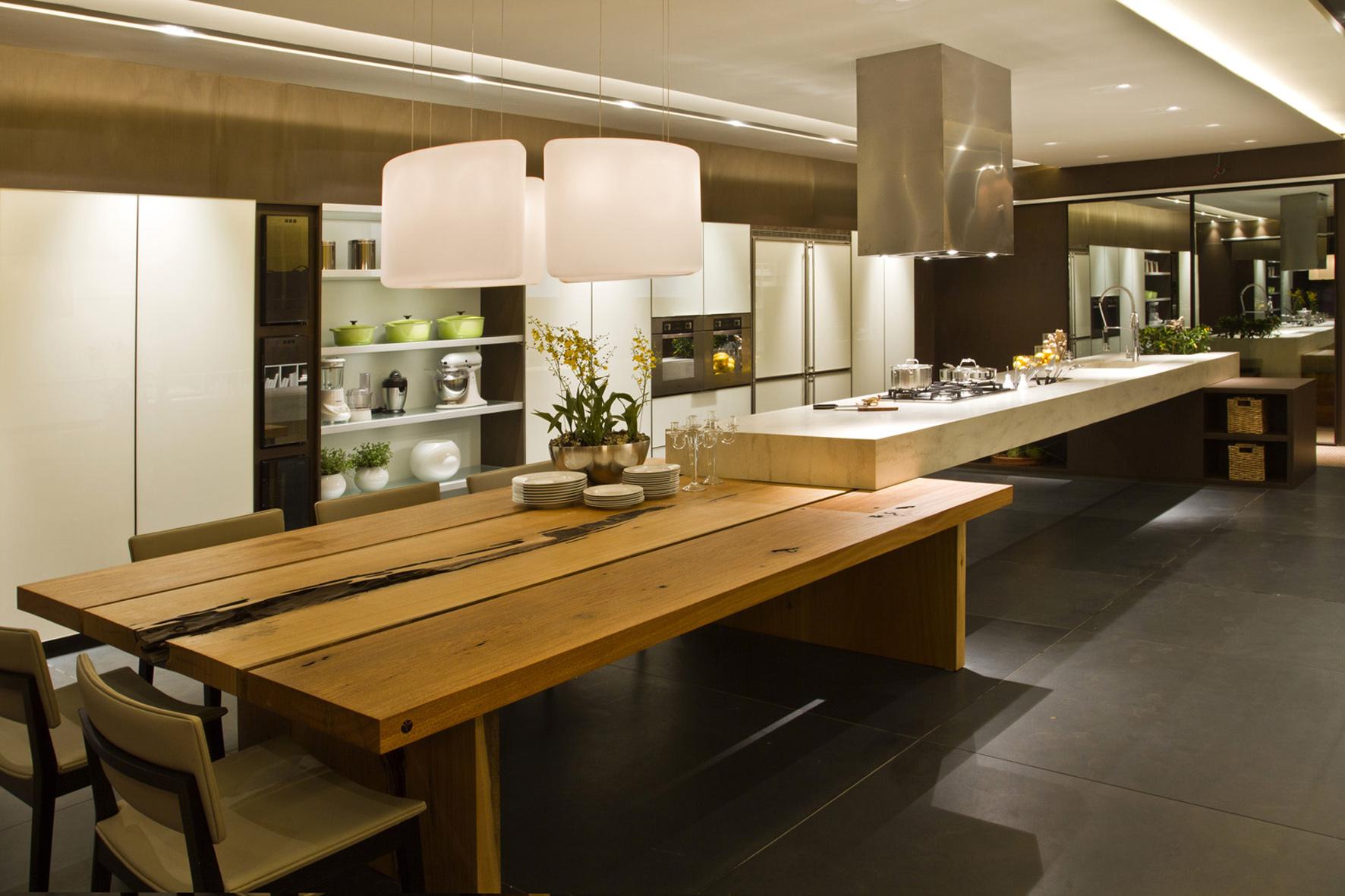 ambiente de 70m² para pessoas que gostam e encaram a cozinha  #9F902C 1772 1181